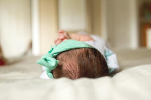 columbus ohio newborn lifestyle baby head full